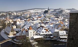 first-sun-2010-castle-town-snow-river-marketa_30