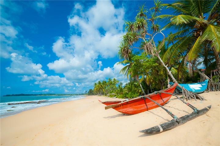 negombo-beach-sri-lanka