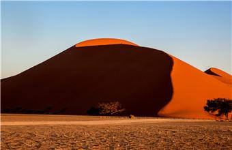 苏丝斯黎红沙漠